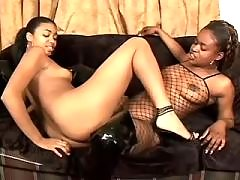 black lesbians play in oral sex